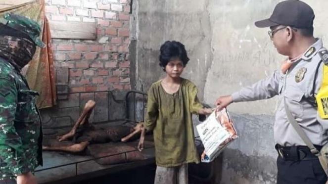 Kondisi memprihatinkan dua anak yatim piatu di Muara Enim, Sumatera Selatan.