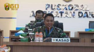 VIVA MILITER: Kasad Jenderal Andika Perkasa Beri Kejutan Kepada Perawat RSPAD