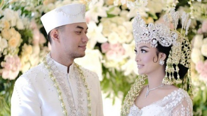 Zaskia Gotik dan Sirajuddin Mahmud Sabang