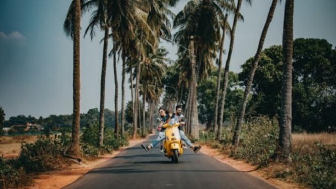 Ilustrasi traveling pakai motor |Photo by Ajay Donga from Pexels