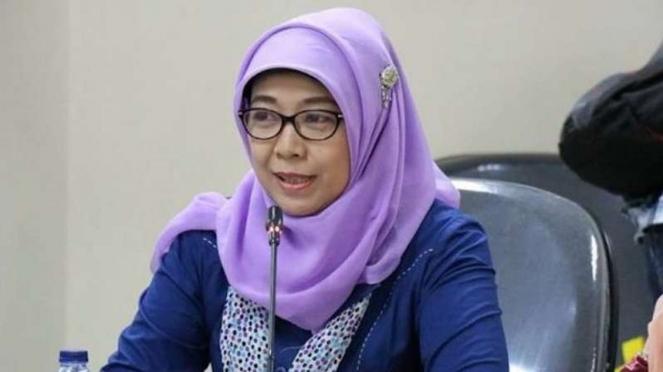 Sitti Hikmawatty diberhentikan dari posisi Komisioner KPAI