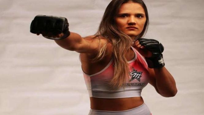 Petarung wanita MMA, Maria Ribeiro