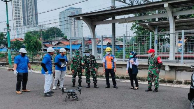 Satgas COVID-19 mengoperasikan drone untuk memantau OTG Corona di jakarta