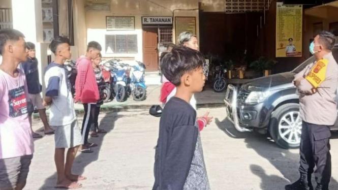 Puluhan remaja di Jayapura diamankan karena balapan liar.