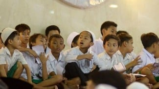 Ilustrasi Anak-Anak Tengah Bersholawat || Sumber Foto : Website Islam NU