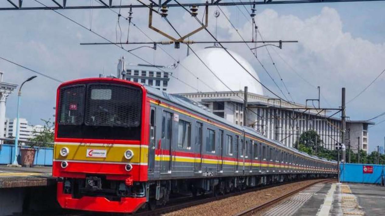 Rangkaian KRL Commuterline saat masa PSBB Jakarta