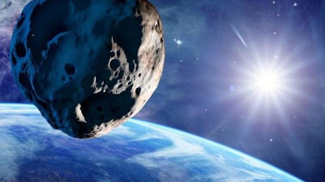 Asteroid mengintai Bumi.