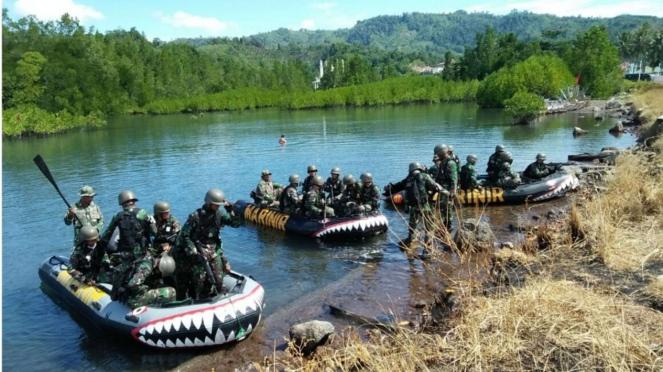 VIVA Militer: Latihan Sea Survival TNI AL