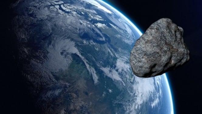 Asteroid melewati Bumi.