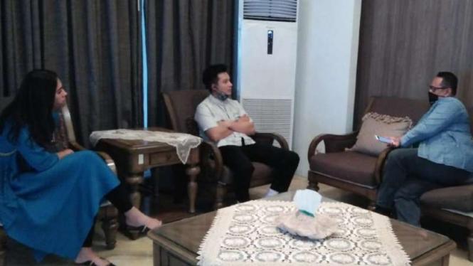 Pertemuan Baim Wong dan Ketua Garda Ojol Igun Wicaksono.