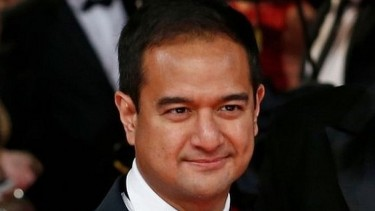 https://thumb.viva.co.id/media/frontend/thumbs3/2020/05/15/5ebe395293ebe-kasus-1mdb-jaksa-malaysia-gugurkan-tuntutan-terhadap-anak-mantan-pm-najib-razak_375_211.jpg