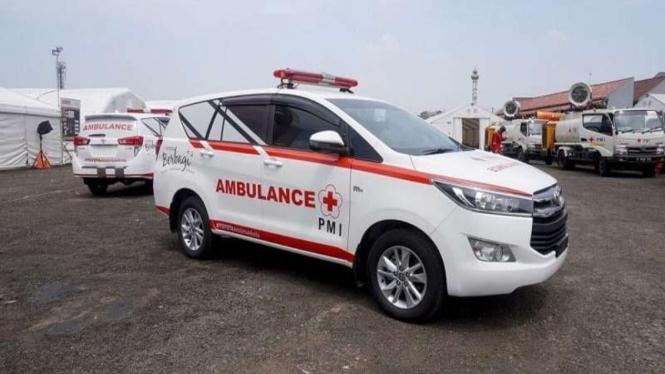Kijang Innova yang disulap menjadi ambulans