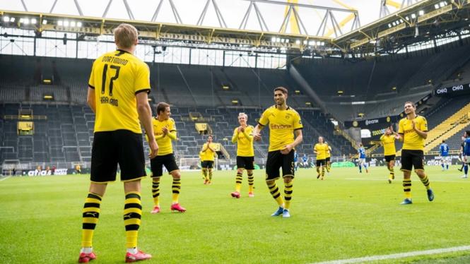 Pemain Borussia Dortmund merayakan gol ke gawang Schalke