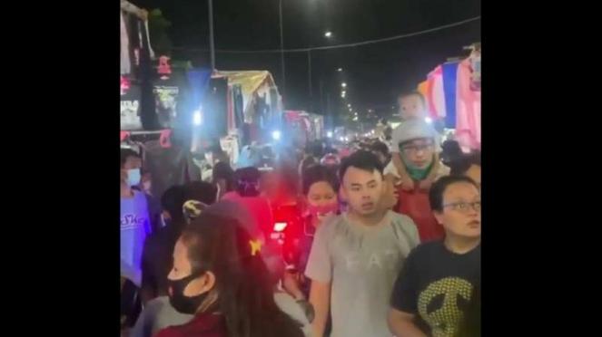 Banyak warga tak pakai masker saat hadiri pasar malam di Kemayoran