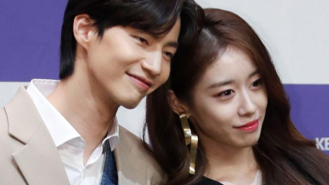 Song Jae Rim dan Jiyeon T-ARA.