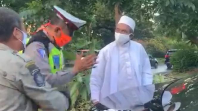 Kronologi Habib Umar Assegaf Bangil Melawan Petugas PSBB Surabaya
