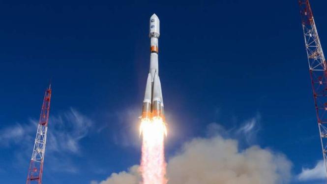 VIVA Militer:  Satelit mata-mata Rusia diluncurkan dengan roket Soyuz-2-1b.