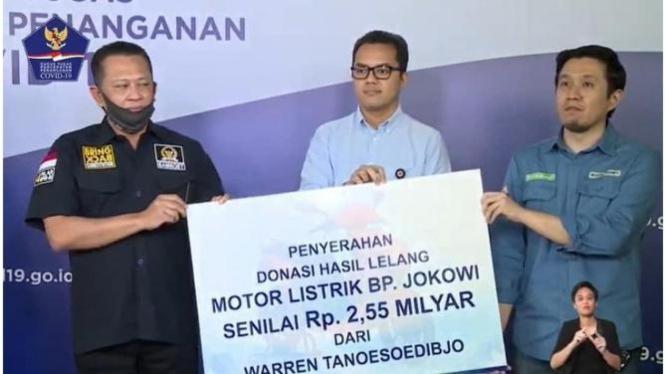 Warren Tanoesoedibyo pengganti M. Nuh pemenang lelang motor Jokowi.
