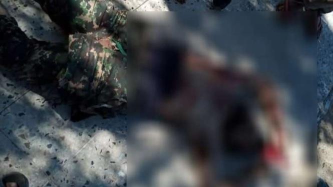 VIVA Militer: Pertempuran di Camp Yarmouk, Tripoli, Libya.