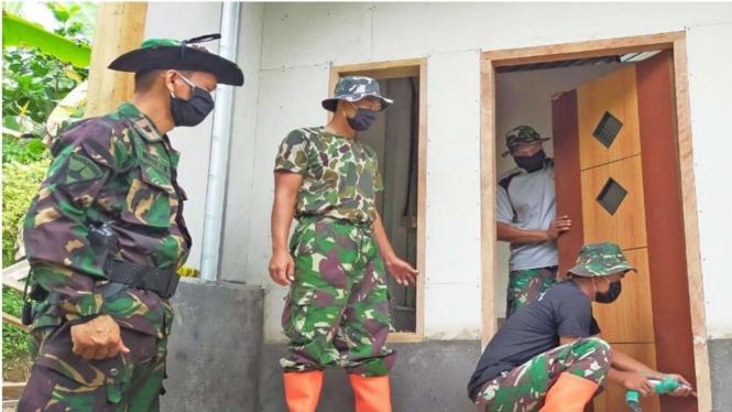 VIVA Militer: Dansatgas Nofry Pantau Pembangunan Rumah Tahan Gempa di Lombok