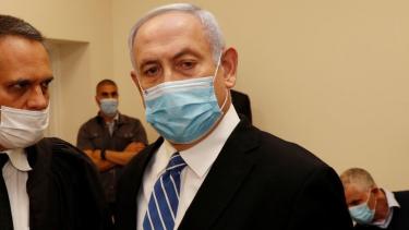 https://thumb.viva.co.id/media/frontend/thumbs3/2020/05/25/5ecb1f0a813c3-israel-perdana-menteri-benjamin-netanyahu-mulai-diadili-dalam-kasus-dugaan-korupsi_375_211.jpg