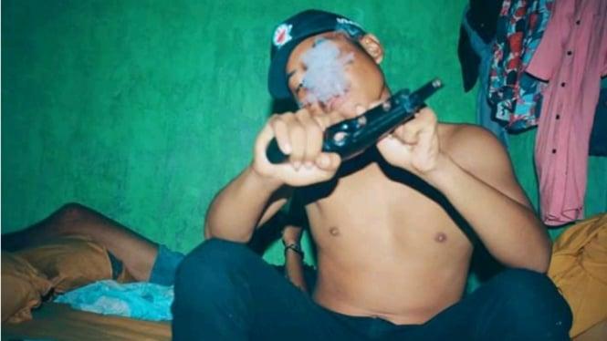 Pamer Senjata dan Hina Polisi, Anggota Geng di NTB Diciduk