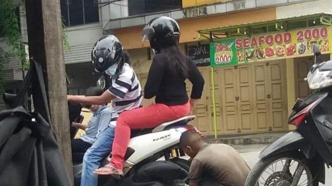 Isi angin ban motor
