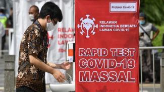 Ilustrasi rapid test gratis di Bundaran HI
