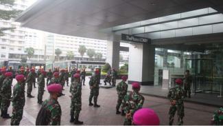 VIVA Militer: Yonif 4 Marinir Lakukan Apel Pagi Sebelum Bertugas