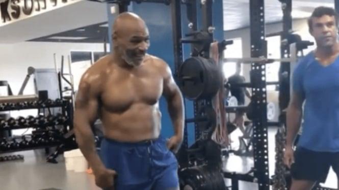 Bentuk tubuh teranyar Mike Tyson makin menyeramkan