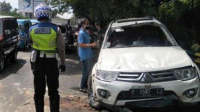 Eggi Sudjana kecelakaan mobil.