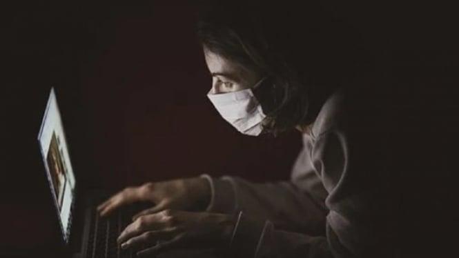 Ilustrasi masker untuk mencegah penularan Virus Corona COVID-19.
