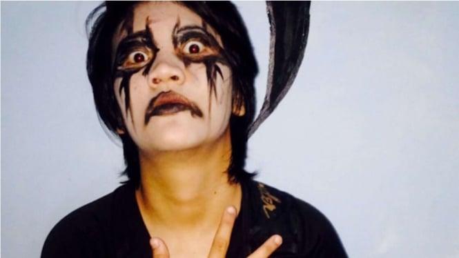 VIVA Militer: Serda Nurul Aisawa Jadi Pemain Band Black Metal