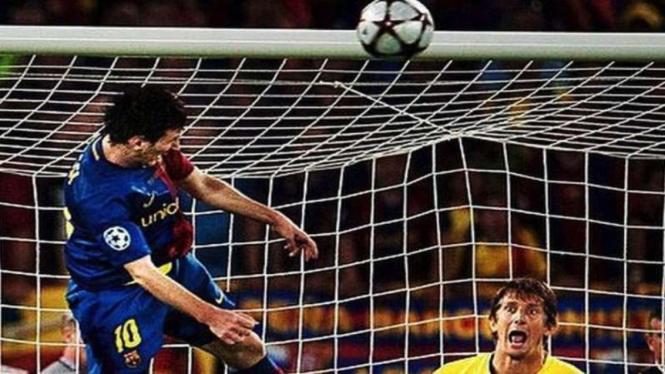 Sundulan Messi