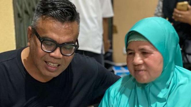 Abdel dan Mamah Dedeh.