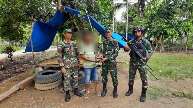 VIVA Militer: Satgas Pamtas Yonif Raider 300/Bjw