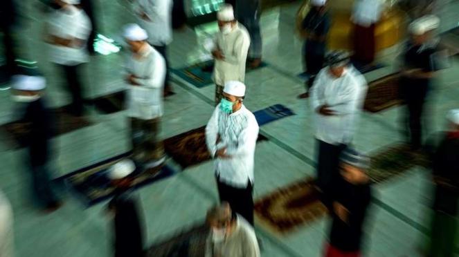 Salat Jumat di Masjid Nurul Islam, Palangkaraya, Kalimantan Tengah