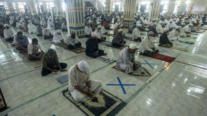Salat Jumat di Masjid Nurul Islam Palangkaraya Kalimantan Tengah