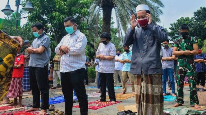Salat Jumat di Masjid Agung Al-Barkah Bekasi (29/5/2020)