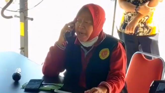 Wali Kota Surabaya, Tri Rismaharini berang disebut dirinya tak becus bekerja.