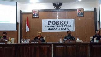 Gubernur Jawa Timur Khofifah Indar Parawansa di Bakorwil III Malang, Jatim.
