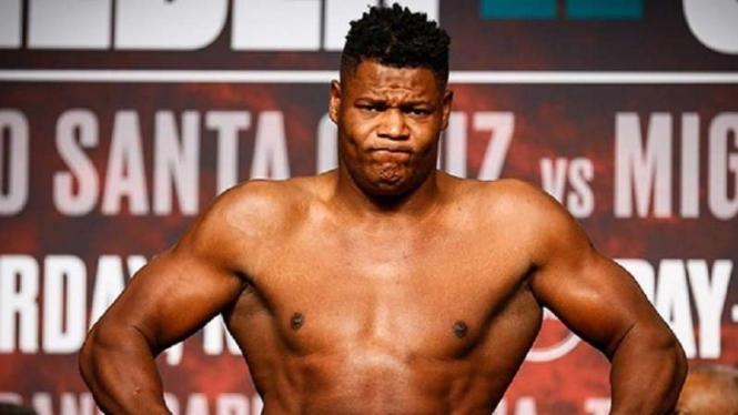 Mantan juara dunia kelas bewat WBA. Luis Ortiz