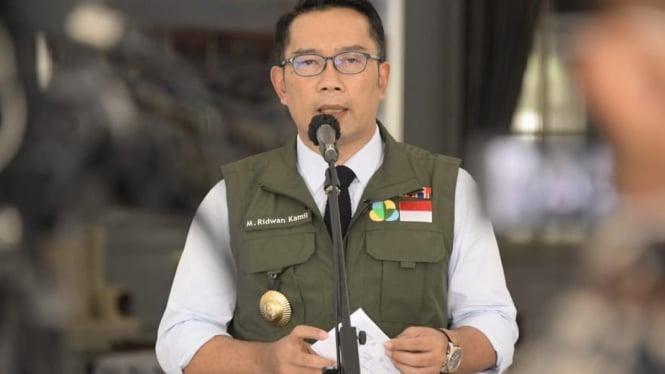 Gubernur Jawa Barat, Ridwan Kamil. Sumber: https://www.ayobandung.com/read/2020/04/11/85692/psbb-bodebek-resmi-disetujui-ini-langkah-ridwan-kamil-selanjutnya