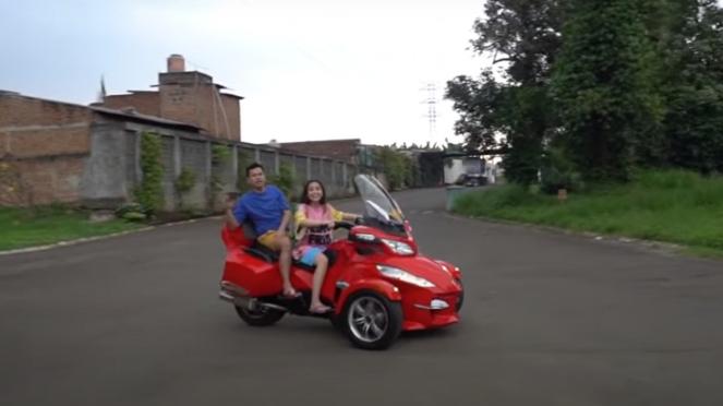 Gigi dan Raffi naik Can-Am Spyder F3 Limited
