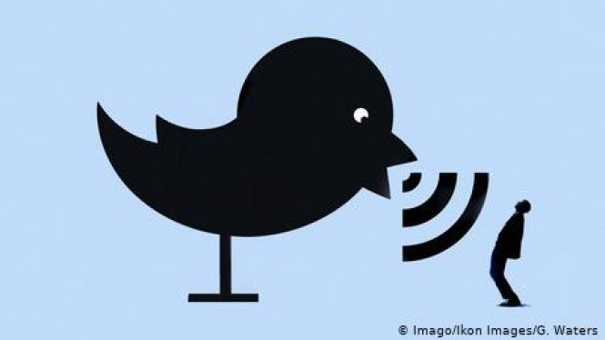 Twitter (Imago/Ikon Images/G. Waters)