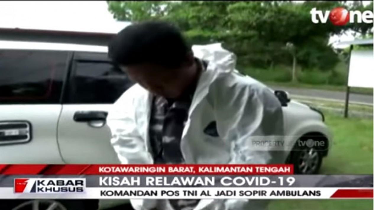 TNI AL jadi sopir ambulan dadakan.