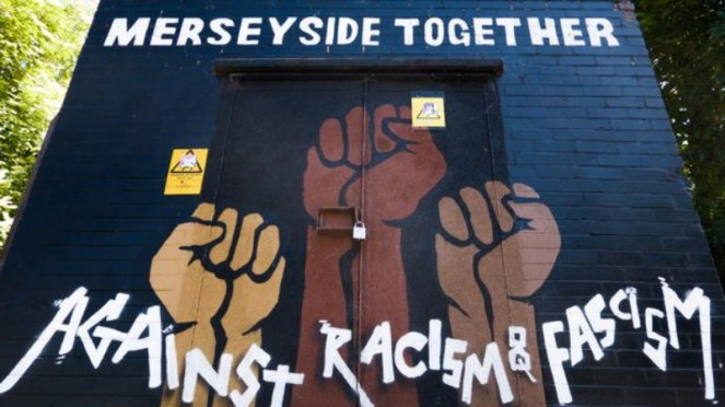 Mural dukungan untuk George Floyd di Stanley Park, Liverpool