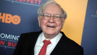 3.500 Ton Perak yang Dibeli Warren Buffett Antar Pria Ini Jadi Miliarder. (FOTO: Investors)