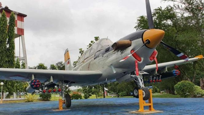 VIVA Militer: Pesawat T-34 Charlie