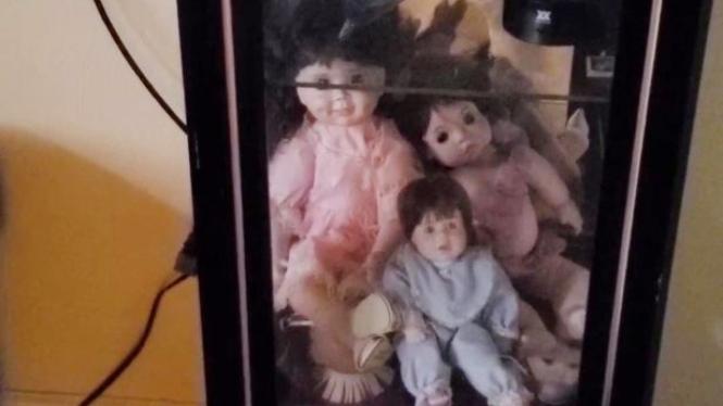 Boneka bisa bergerak sendiri
